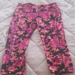 Floral cropped workout leggings